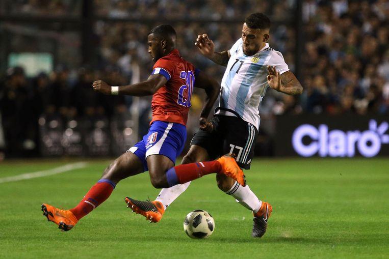 Duckens Hazon in een recente oefeninterland met Haïti tegen Argentinië en Otamendi.