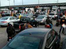 Angoissés par le coronavirus, des habitants mexicains bloquent les touristes américains à la frontière