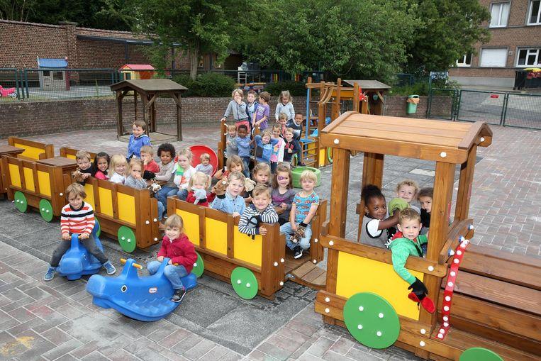 Voor de zomervakantie begint, wordt één van de treintjes natuurlijk nog even getest.
