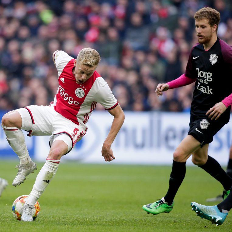Donny van de Beek tijdens de wedstrijd tegen FC Utrecht. Beeld BSR Agency
