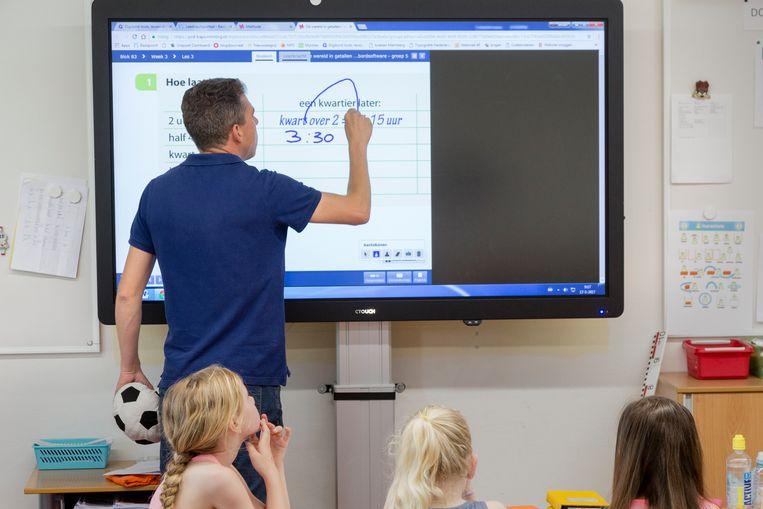 Op scholen met meer meisjes snappen jongens teksten beter.  Beeld Hollandse Hoogte / Bert Spiertz