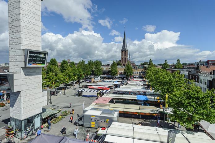 De Hengelose markt stopt woensdag al om 14.00 uur.