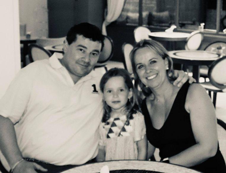 Jurgen en Veronik met hun dochter.