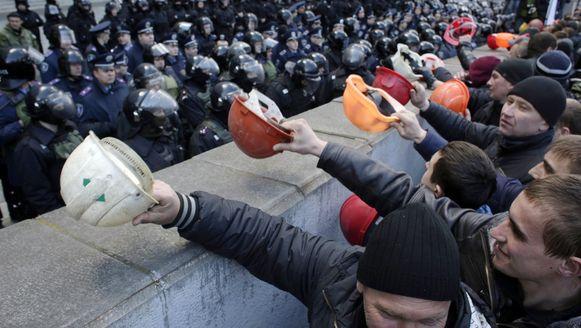 Protest van Oekraïense mijnwerkers op 22 april in Kiev. Ze eisten een hoger loon en subsidies voor de mijnen om de Oekraïense industrie kracht te geven.