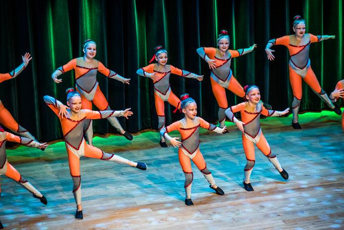 Spektakel in de Theaterkerk in Bemmel tijdens het dansgala.
