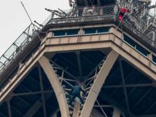 Eiffeltoren ontruimd wegens klimmer op grote hoogte