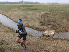 Yunis Stitan heeft na winst in Elderschanscross de eindzege al binnen