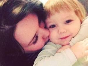 Elle part faire la fête, sa fille de 3 ans meurt de faim dans un appartement insalubre