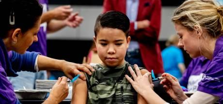 18.000 tieners zien af van prik, ook al vielen er al tientallen doden