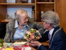 Zuster Annelies is honderd en geniet nog volop