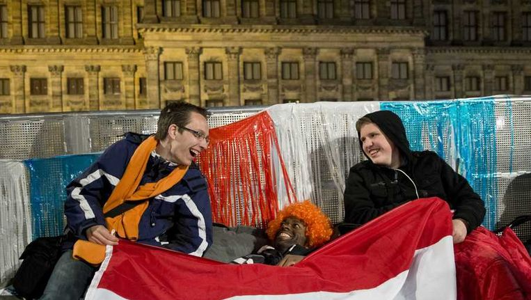 Slechts een handjevol oranje fans hebben op de Dam geslapen. Beeld anp