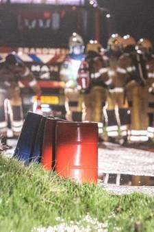 Verdachte vaten gevonden bij Steenwijk: weg afgesloten