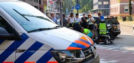 Scootmobielrijder ontwijkt auto en komt daardoor ten val in Rijen
