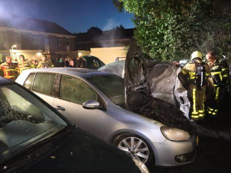Opnieuw brand in Vaassen: twee auto's gaan in vlammen op