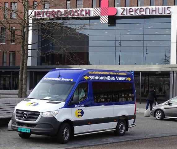 Seniorenbus Vught verzorgt veel ritjes naar het ziekenhuis in Den Bosch.