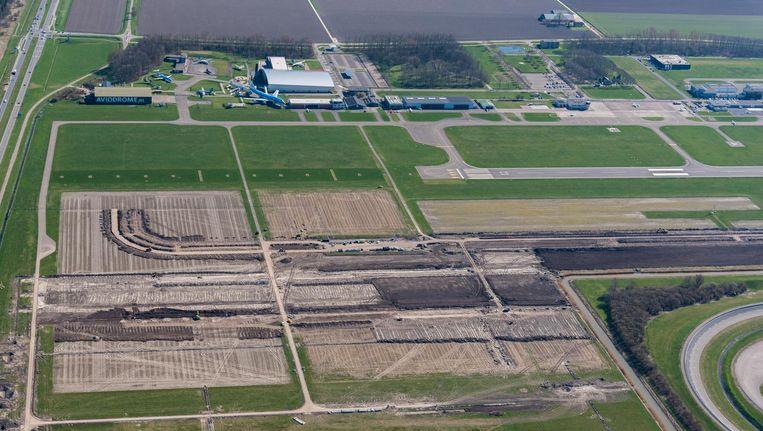 Op Lelystad Airport zijn inmiddels de werkzaamheden begonnen voor de verlenging van de landingsbaan Beeld anp