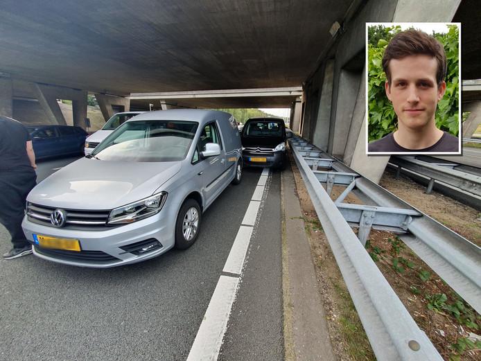 Jeffrey Goijaerts (inzet) ging voor de auto rijden en kon deze zo tot stoppen brengen.