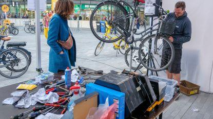 Brusselaars laten fiets gratis herstellen op Bike Repair Day