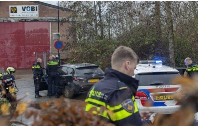 In Vinkeveen werd de autodief tot stoppen gedwongen.