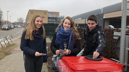 Rode afvalcontainers moeten zwerfvuilprobleem leerlingen oplossen