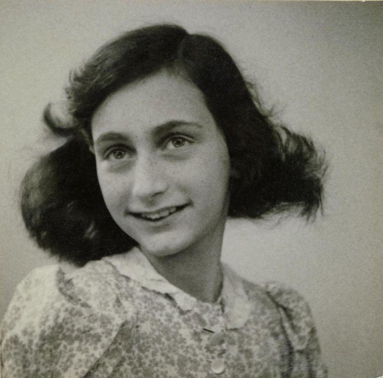 Anne Frank in mei 1942, 12 jaar oud, twee maanden voor de onderduik Beeld getty