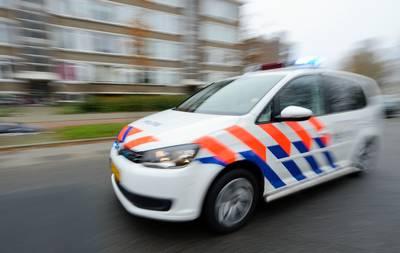Carjacking: man met vuurwapen bedreigd en bestolen van zijn auto terwijl hij voor stoplicht staat