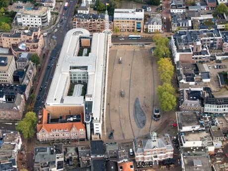 Verwarming voor ijsvrij Marktplein in Apeldoorn zit er niet in, blijkt hartje zomer