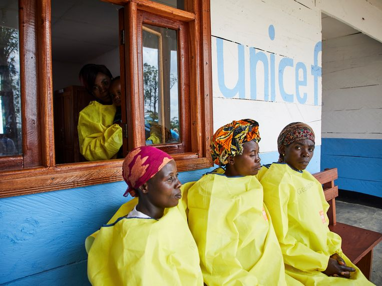 In de crèche van Unicef waar kinderen van ouders met ebola opgevangen worden.