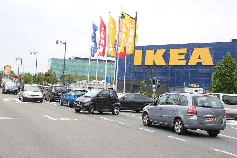 De Ikea staat over de hele lengte grond af voor een extra rijstrook.