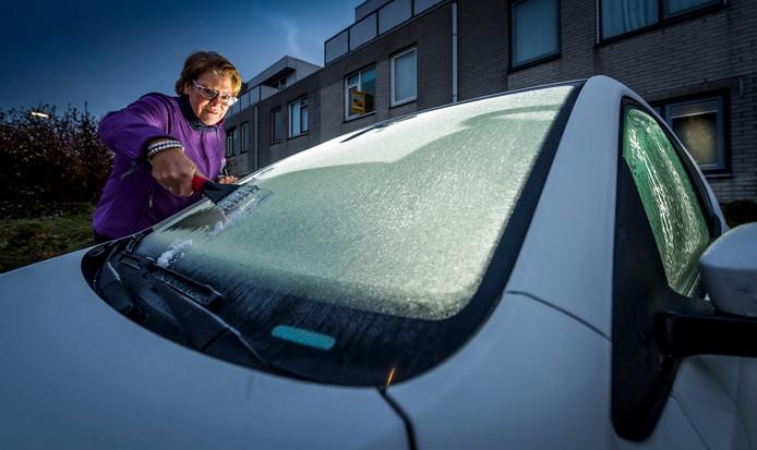Foto ter illustratie: automobilist moeten weer gaan krabben.