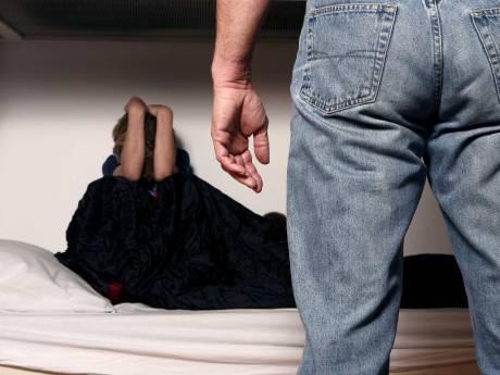 Bodegraver (26) krijgt 14 maanden cel voor bedreigingen ex: 'Ik ga je total loss meppen'