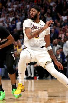 Lakers in topper langs Nuggets