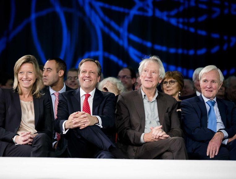 (VLNR) Kajsa Ollongren (wethouder Amsterdam), Alexander Pechtold (D66), Gerrit Jan Wolffensperger en Jan Terlouw tijdens het congres van D66. De partij viert met een feestcongres in de Amsterdamse RAI haar vijftigjarig bestaan Beeld anp