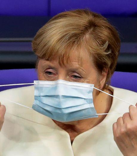 """""""Très inquiète"""", Merkel veut de nouvelles mesures restrictives"""