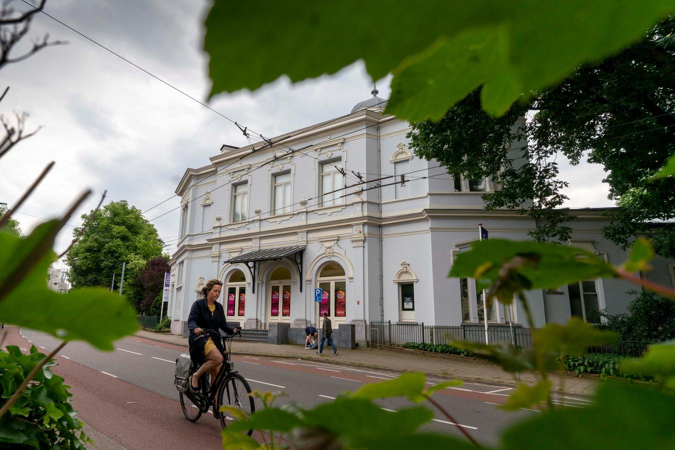 Het leegstaande gebouw van Museum Arnhem aan de Utrechtseweg in Arnhem.