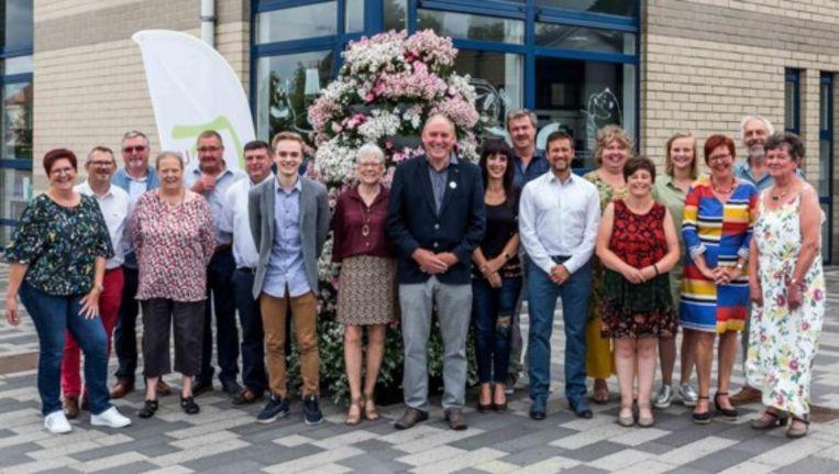 Burgemeester Rudy Van Cronenburg met de Anders-ploeg voor de verkiezingen.