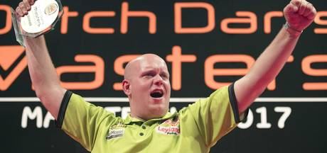 Van Gerwen twittert er op los: 'Love myself too much'