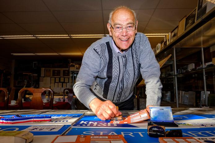 Jan Compier begint eind september met het in orde maken van alle spullen voor een natuurijstocht. Want stel je voor dat het gaat vriezen.