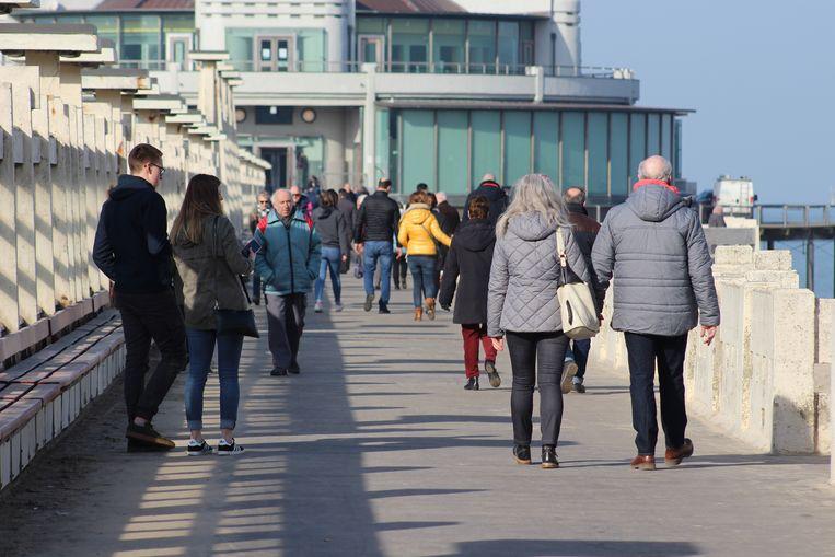 De winterhittegolf lokt heel wat dagjestoeristen naar zee: hier in Blankenberge.