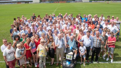 "Voetbalclub SC Dikkelvenne trakteert medewerkers op amusant dankfeest: ""Omdat we zo'n fantastisch team vormen"""