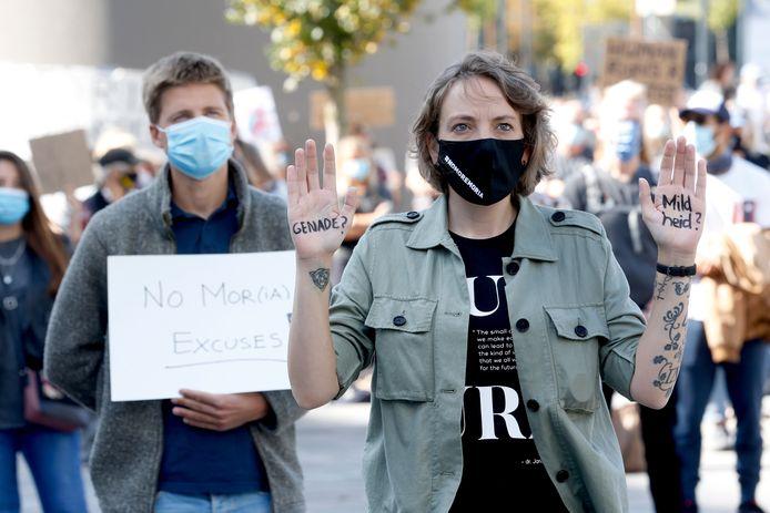 Demonstranten bij de Moria-demonstratie op het Jaarbeursplein.