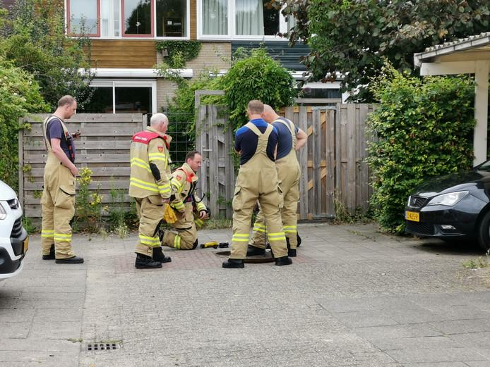 De brandweer voert metingen uit in Wageningen