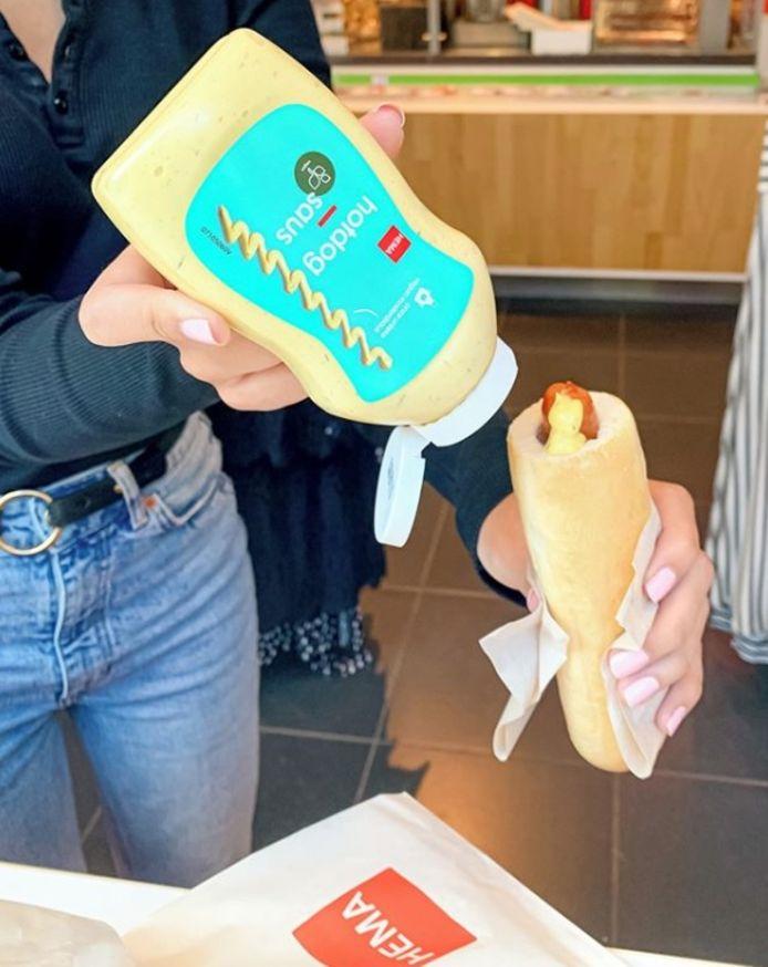 De in Nederland wereldberoemde hotdogsaus van de Hema is nu ook los te koop.