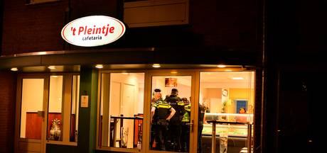Cafetaria Leende overvallen door twee mannen