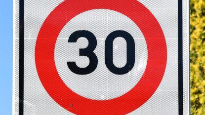 63 kilometer per uur in zone dertig: boete en acht dagen rijbewijs kwijt