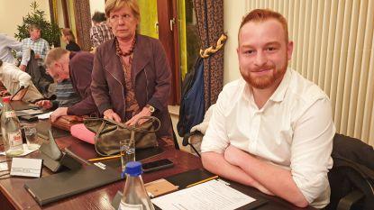 Chris Lanssens (25) legt eed af als nieuw gemeenteraadslid