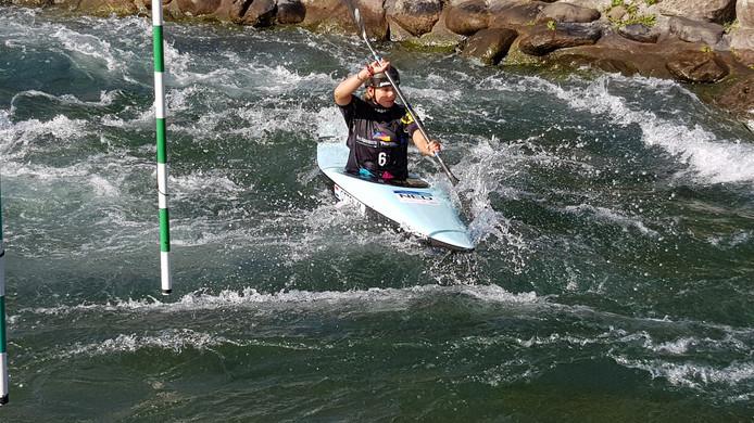 Maartje Otten aan het trainen in Pau