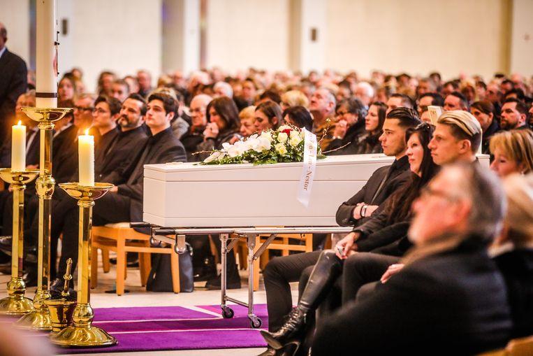 Vrienden en familie namen afscheid van hun geliefde Nathalie