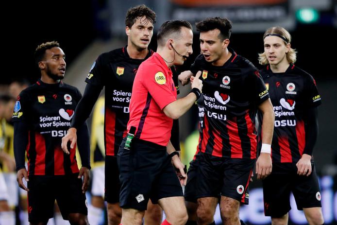 De afgekeurde goal van Jurgen Mattheij voor Excelsior tegen Vitesse leverde gisteravond uitvoerige discussies op.