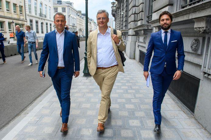 V.l.n.r.: voorzitters Egbert Lachaert (Open Vld), Joachim Coens (CD&V) en Georges-Louis Bouchez (MR), de 'drie koningen' die een federale regering proberen te vormen.